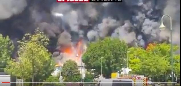 صورة لاجئان مغربيان يشاركان في حرق ملجأ بألمانيا بسبب وجبة السحور