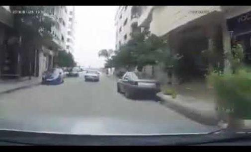 بالفيديو: بوليس كيقيدو مخالفة لمواطن احترم القانون و اللي تعجب يتبلا