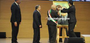 بالفيديو.. هكذا تم تكريم صورة عبد العزيز بوتفليقة