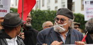 """فنانون ومخرجون في وقفة أمام البرلمان ضد """"الفساد"""" في التلفزيون والسينما"""
