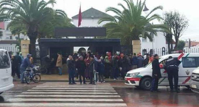 رئيس مقاطعة سيدي مومن يقدم استقالته بعد أن أقدمت موظفة على إحراق نفسها