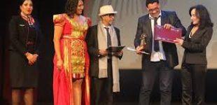 """""""صولو"""" المغربية تفوز بالجائزة الكبرى لمهرجان المسرح العربي بتونس"""