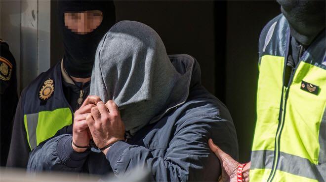صورة مغربي يقتل زوج أمه بمدينة سبتة المحتلة !