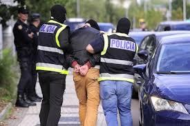 صورة مغربي منعوه من الدخول لملهى ليلي باسبانيا فارتكب جريمة في حق حارسه