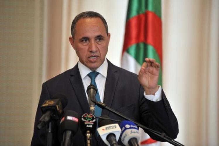 صورة مرشح جزائري: قضية الصحراء وفلسطين لا تقبل القسمة على اثنين