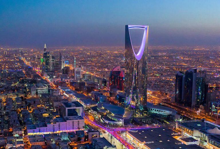 """صورة لأول مرة في تاريخها.. المملكة السعودية تحتفل بالعام الميلادي الجديد """"الكريسماس"""