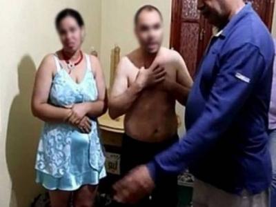 صورة جندي يجر زوجته للقضاء بسبب خيانة زوجية أثناء تواجده بالعيون !