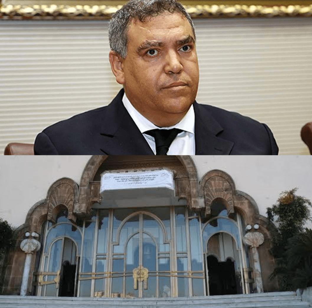 صورة فضيحة: نائب رئيس مجلس مقاطعة بمدينة الدار البيضاء يستفيد من عقد تسيير مقهى ل99 سنة
