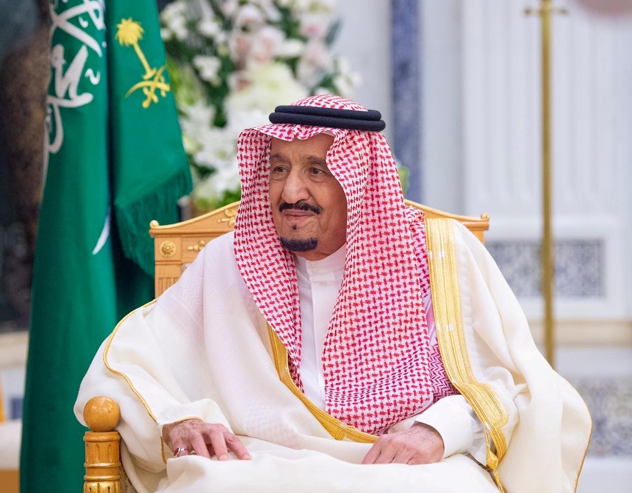 صورة 150 من العائلة الملكية مصابون بكورونا.. نيويورك تايمز: الملك سلمان وولي العهد يعزلان نفسيهما بجزيرة قرب جدة