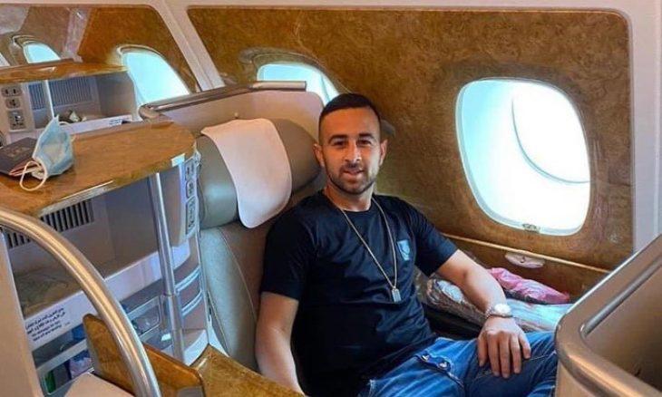 صورة أول لاعب إسرائيلي يتوجه إلى دبي للعب مع ناد إماراتي وأدرعي يعلق  (صورة وفيديو)