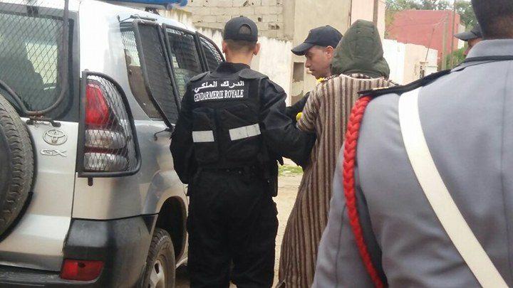 """صورة اعتقال دركيين بعد قتل """"سائق طاكسي"""" بالرصاص وتلفيق رواية مفبركة لسبب التصفية"""